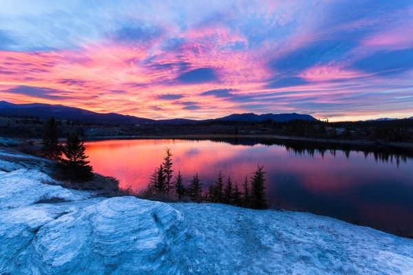 Sunrise on Lewes Lake (Yukon, Canada)