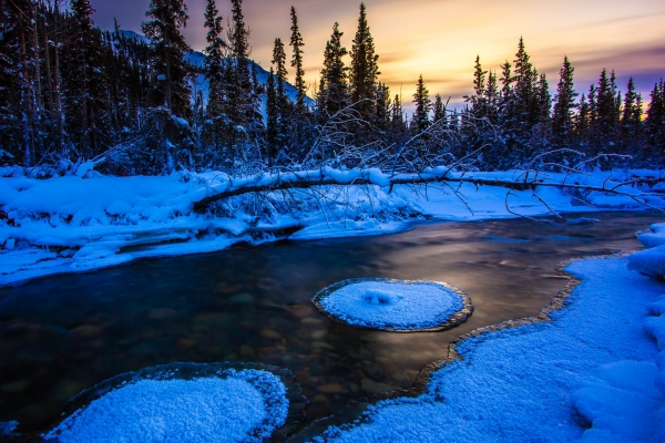 Spring sunset on the Wheaton River (Yukon, Canada)